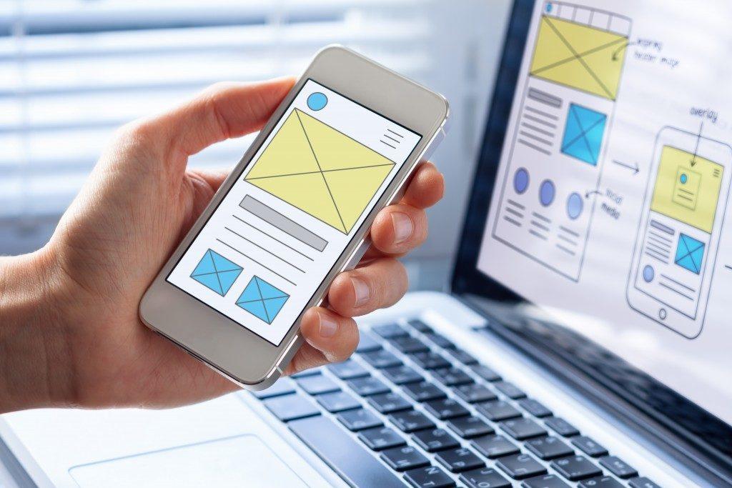 Employee designing an app